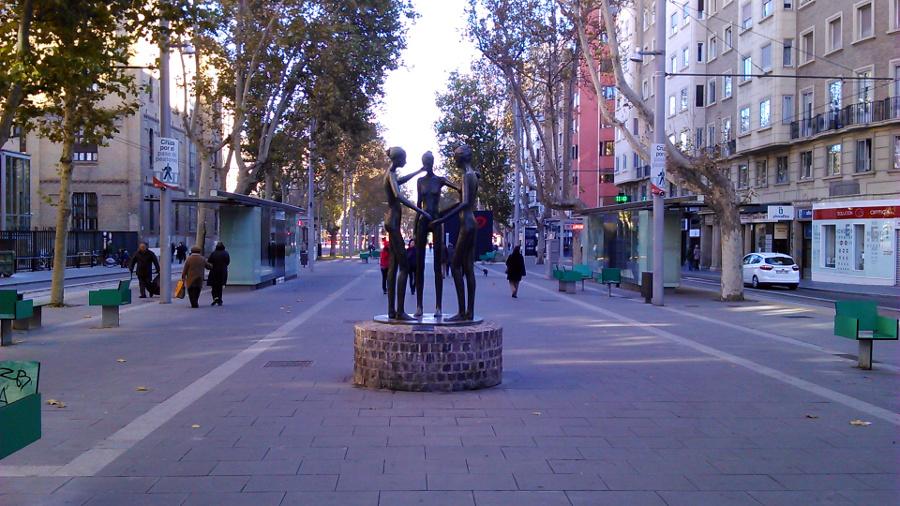 estatua gran via zaragoza