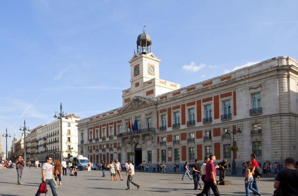 Puerta del sol madrid la pen nsula ib rica for Puerta de sol en directo