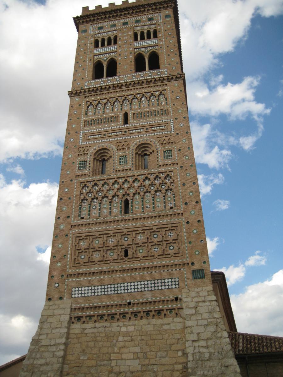 Las torres mudejar de teruel la pen nsula ib rica for Arquitectura mudejar