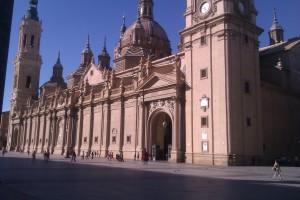 basilica y plaza del pilar zaragoza