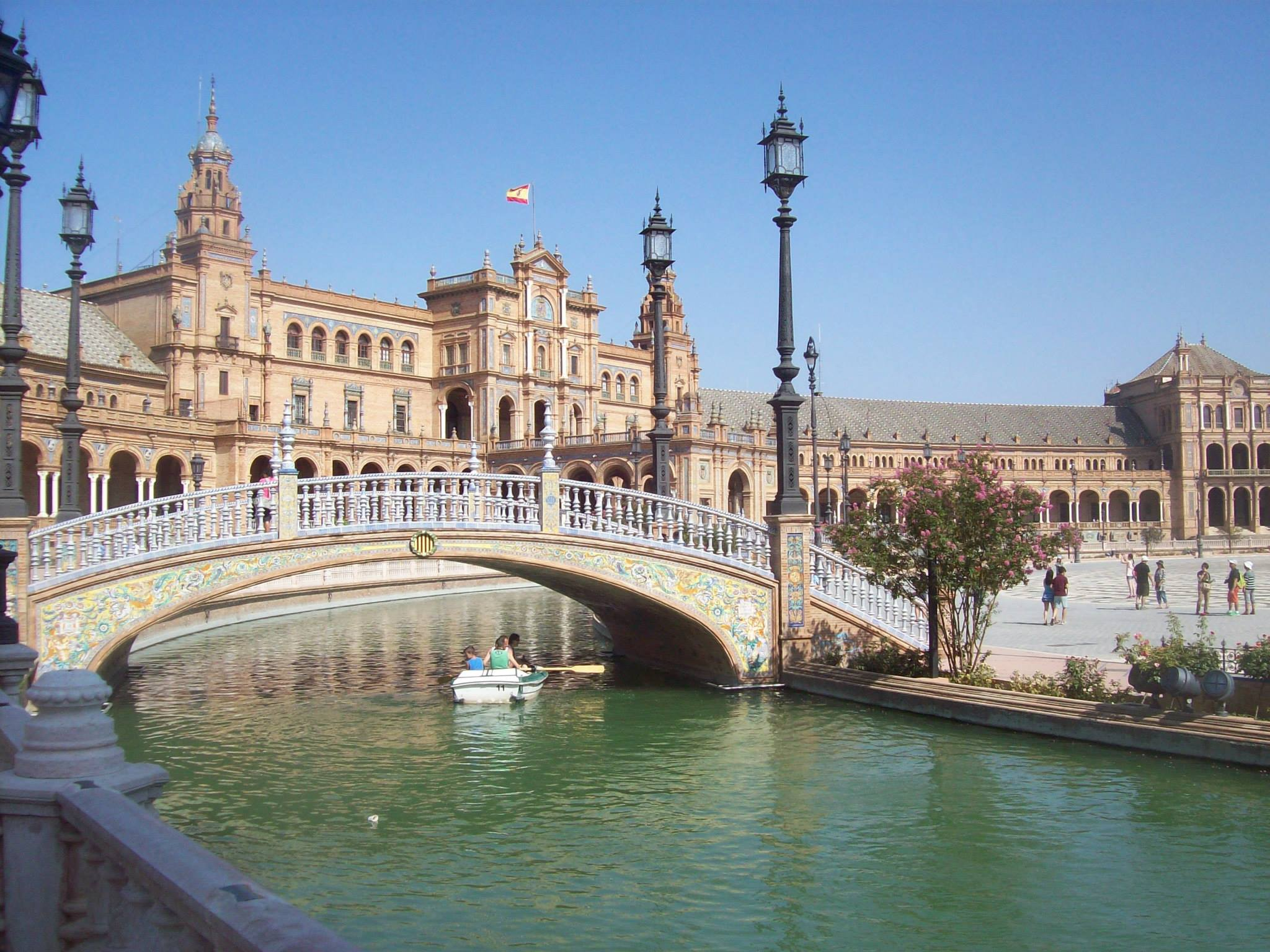 Plaza de espa a sevilla la pen nsula ib rica for Lugares turisticos para visitar en espana