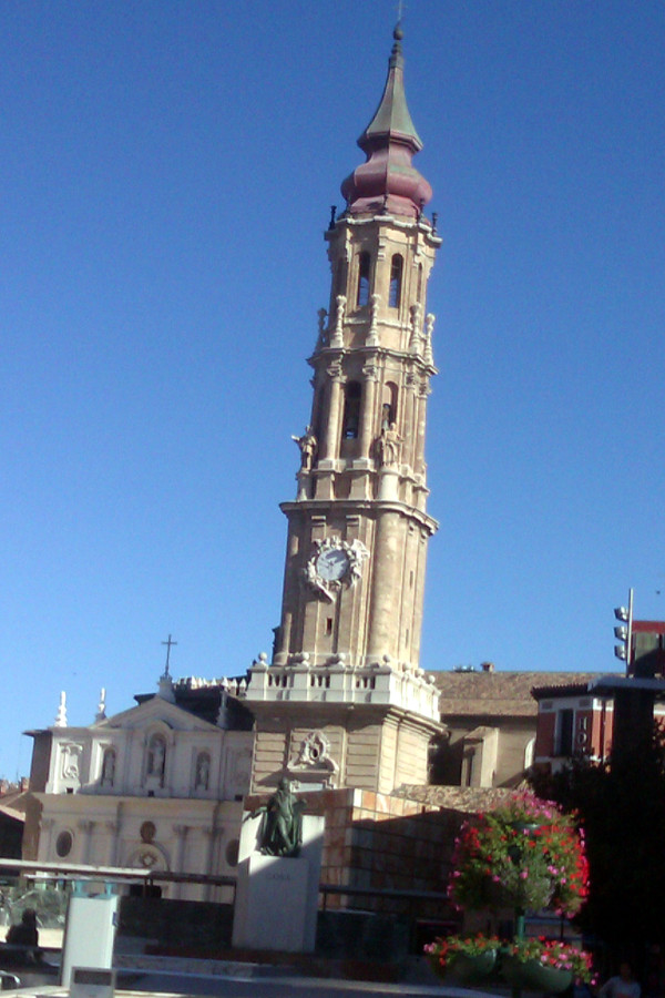 torre de la seo plaza del pilar
